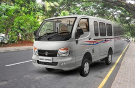 What is the top speed of Tata Magic Express
