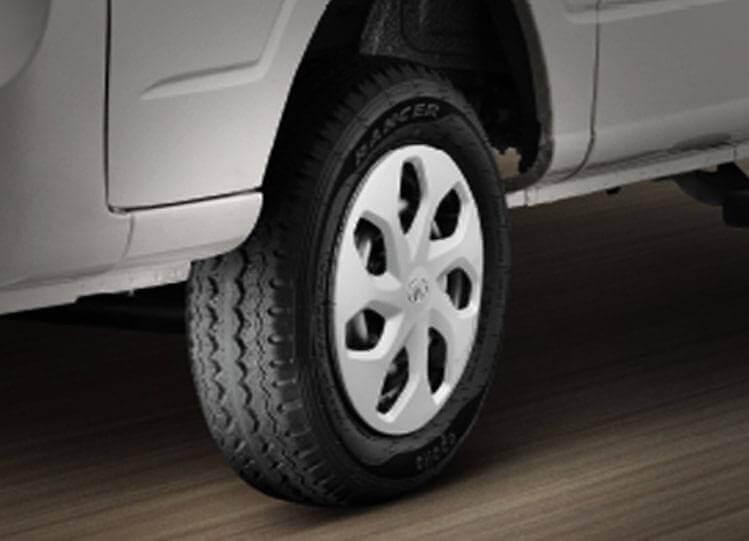 Tata Magic Express Tyres