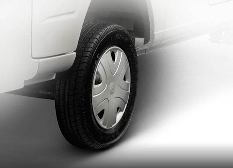 Tata Magic Mantra Tyres